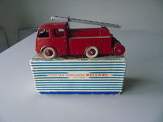 Dinky Toys-France - Scale 1/48 - Fire department van Berliet First Aid No.32e