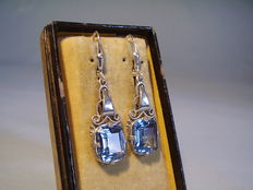 Earrings with bright blue spinels of 8.5 ct.