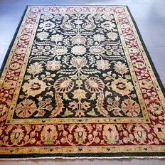 Breathtaking Ziegler Persian carpet - 236 x 167 - very good condition - with certificate