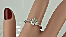 1.10 ct  round diamond ring made of 14 kt white gold +++ no reserve price +++