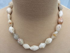 Roman stone necklace with iridescent carnelian and agate beads - 52 cm