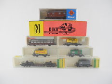 Minitrix/Roco/Piko/Fleischmann N - 8230/25079/3541/3540/3546/3297 -  8 different freight carriages, their heavy trailers and 4 tankers, mostly of DB [411]