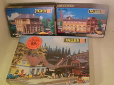 Faller H0 - B 971/973/90 - station Bonn and station Blumfeld in kit