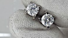 IGL  1.50 ct round diamond stud earrings 18 kt white gold