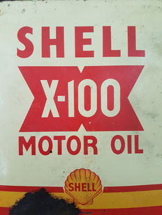 Three old metal cans: Shell - Esso - Motul - Second half of the twentieth century