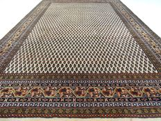 "Mir - 308 x 200 cm - ""Modern Oriental rug in natural hues - in very nice, almost not used condition""."