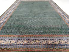 "Mir – 317 x 218 cm. – ""Exclusive, large, Oriental rug in green - in good condition""."