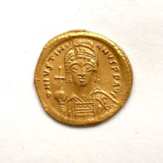 Byzantine Empire - Justinian I Gold Solidus Constantinopolis 527-565 AD