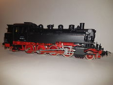Piko H0 – Steam / tender locomotive BR86 of the Deutsche Reichsbahn.