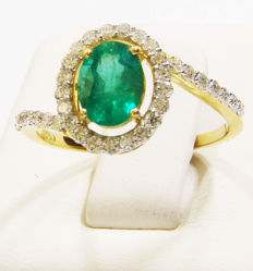 18k Yellow gold and 1.14ct green fine natural Emerald ste with 35 diamonds