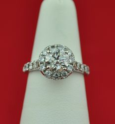 "Diamonds (total +/-2.00ct) set on 18K White Gold Engagement ""Hello"" Ring - E.U Size 49 *(re-sizable) **Low Reserve Price**"