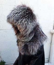 Silver fox fur hood. MADE IN ITALY