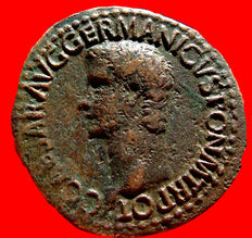 Roman Empire - Caligula (37 - 41 A.D) bronze as ( 10,07 g,. 30 mm.), Rome mint. 37-38 A.D. VESTA. S/C.