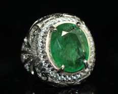 Silver 925 handmade men's ring with 10 ct emerald