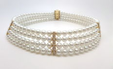 Choker 4 pearls strands, 1.13 ct Diamonds