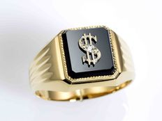 Gold ring with onyx