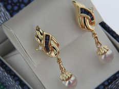 Gold earrings, 18 kt – Sapphires, Diamonds, Pearls.