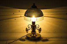Beautiful and rare attorney lamp, Golden metal and black. 70´s
