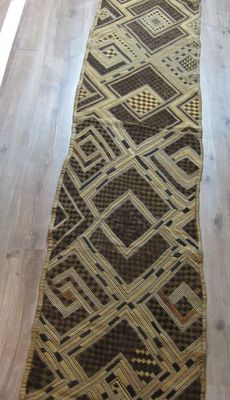 Exceptional and ancient African textile, N'tchak textile - KUBA - D.R. Congo