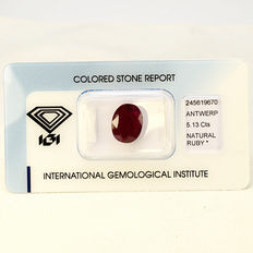 Purplish Red - Rubin - 5.13 ct