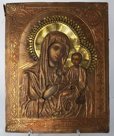 Large icon depicting Mary with baby Jesus in richly decorated oklad - Russia - 19th century