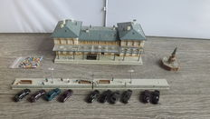 Faller/Kibri N - Station Karlsberg with platforms with figures and accessories