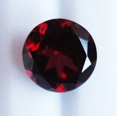 Rhodolite  - Purplish Red - 2.12 ct