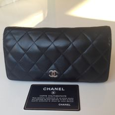 Chanel - Black leather Timeless companion wallet