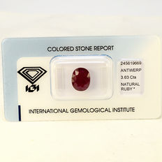Purplish Red - Rubin - 3.63 ct