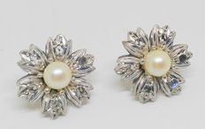 Pair of 18 kt yellow gold earrings - Pearls and rose cut white sapphires - Middle period