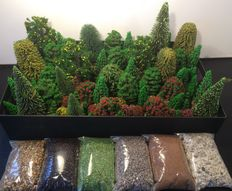 Scenery H0 - Trees 80 pieces and 6 bags of ground cover