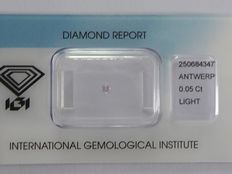 **Natural Fancy Pink Diamond 0.05ct  with IGI cert ***No minimum price***