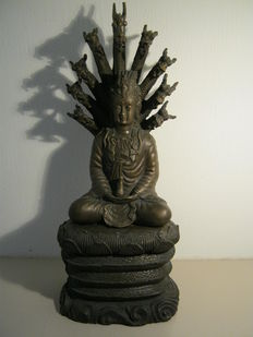 Bronze statue on dragon throne - China - late 20th century