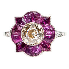 A splendid ring  with Diamond and  Ruby in Platinum Design era: Art Deco (1915-1935).