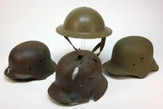 4 different helmets, 1x english and 3x German