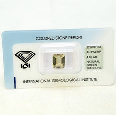 Yellowish green – Diaspore – 4.67 ct