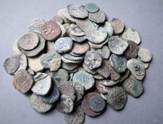 Spanish middle age - collection 102 bronze coins - 468 g