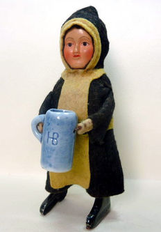 Schuco, Germany - Height 14 cm - Beer drinking monk with clockwork motor, 1930s
