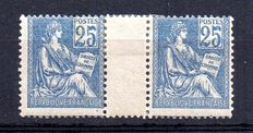 France 1900 – Pair Mouchon redrawn with gutter 25c blue – Yvert n° 114