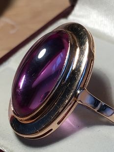 Synthetic Alexandrite ring 14 kt