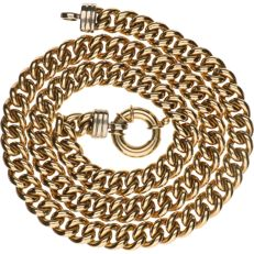 Yellow gold 14 kt, curb link necklace with a white gold clasp - length: 51.2 cm.