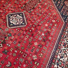 Magnificent Shiraz, Persian carpet – 242 x 166 – very good condition – with certificate