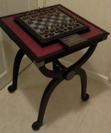 Franklin Mint   Flawless Tin Chess Pieces + Chess Table U201cBattle Of Waterloou201d