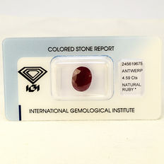 Purplish Red - Rubin - 4.59 ct