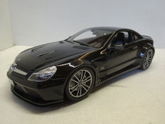 Minichamps - Scale 1/18 - Mercedes-Benz SL65 AMG - Black Metallic