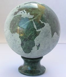 Fine Oceanic Green Marble globe, with matching base - 10cm - 1500gm