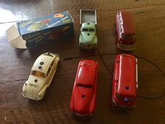 Schuco, US Zone/Western Germany - Length approximately 11 cm - Lot with 4 Varianto cars and Mirako with clockwork motor, 1950s/60s