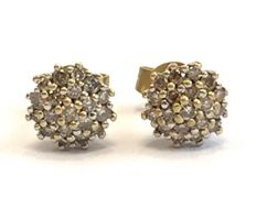 Yellow gold cluster earrings full of diamonds