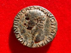 Roman Empire - Claudius I (41 - 54 A.D.) bronze as ( 12,21 g. 27 mm.) minted in Rome between 41-42 A.D. LIBERTAS AVGVSTA.