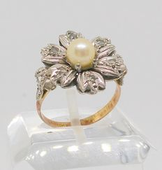 18 kt yellow gold ring - Pearls and rose cut white sapphires - Middle period